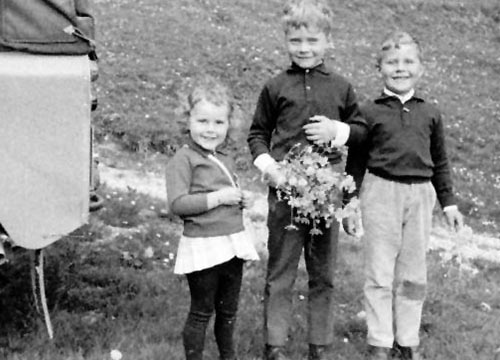 Siblings Yvonne, Hans-Rudolf and Peter Steck